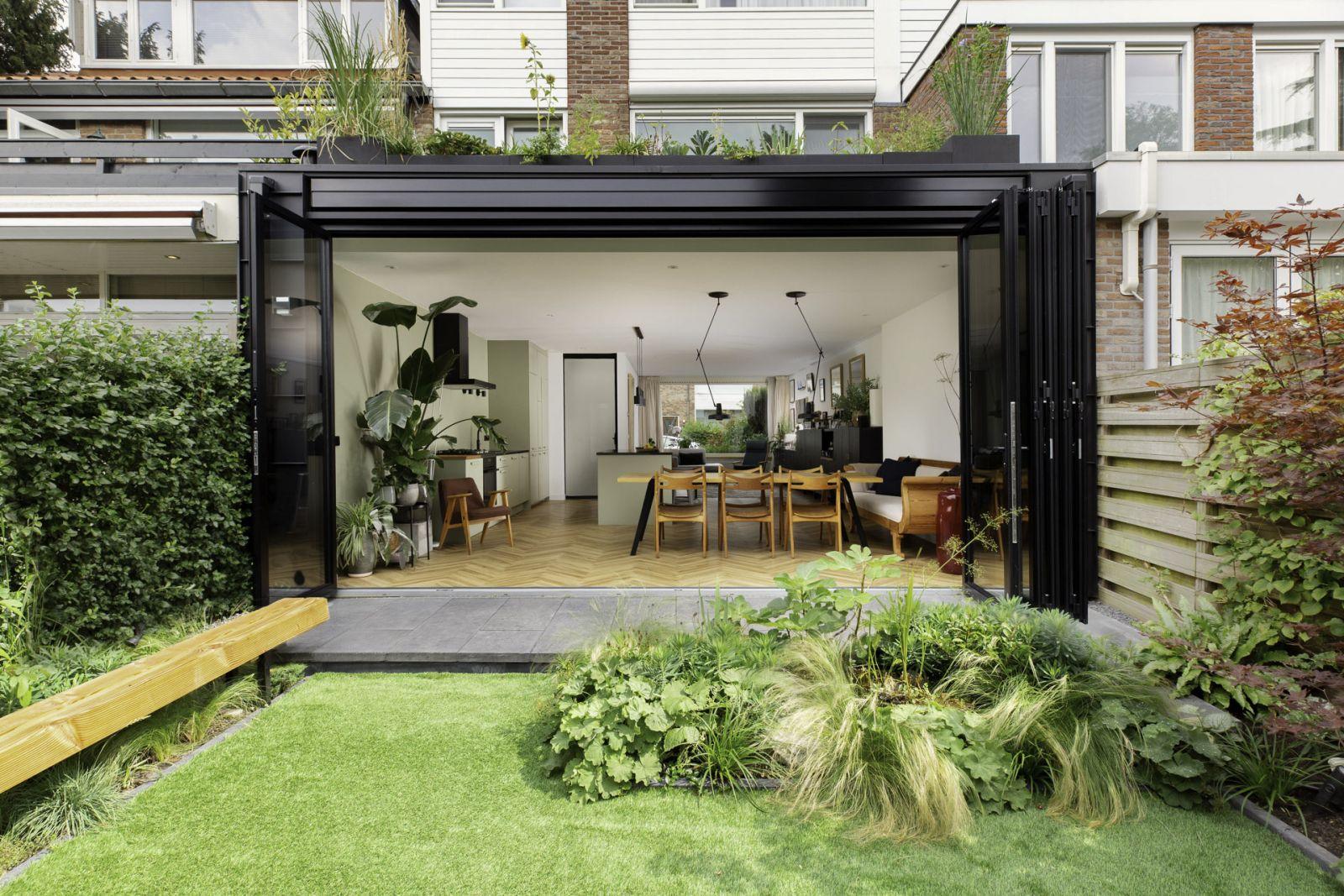 Harmonika terasz ajtó kis kerthez is