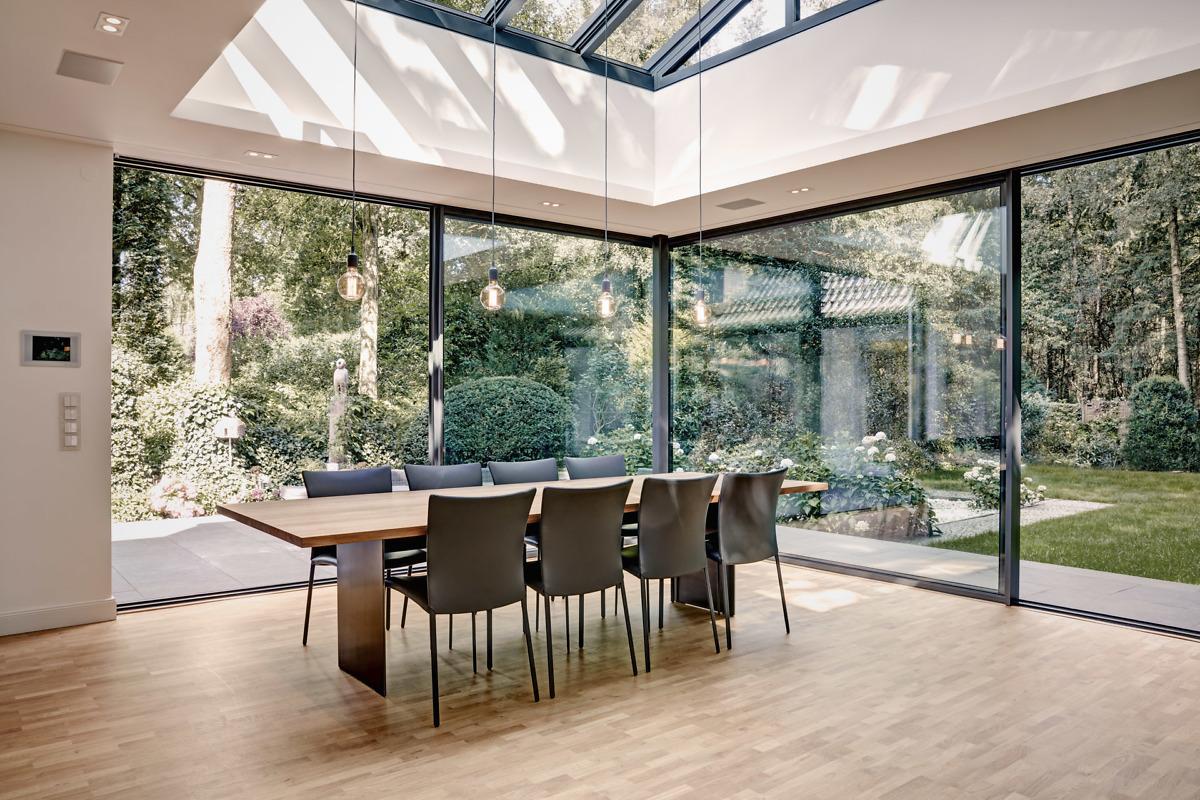 Alumínium ablak- Cero fix és tolóajtó rendszer sorolt ablaksarok kialakításához is